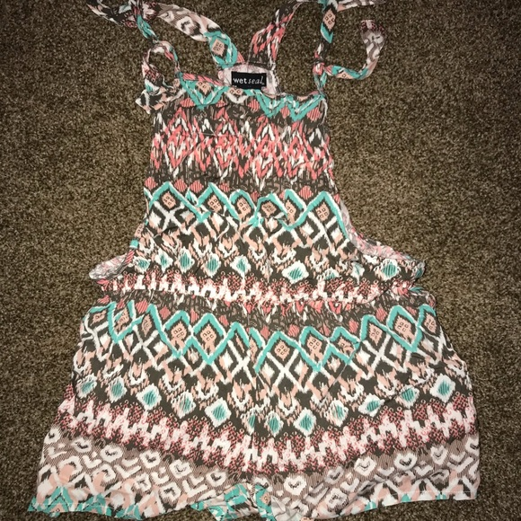 Wet Seal Other - Wet seal romper size L